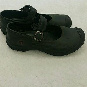 Keen Mary Jane style flats size 7